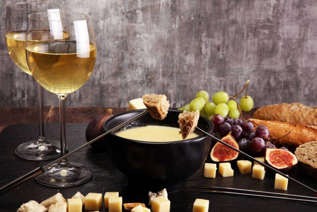 laccord-des-mets-et-des-vins-la-fondue-savoyarde