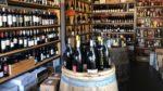 Solliciter un caviste pour découvrir les meilleurs vins du monde